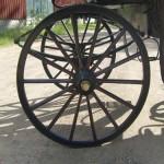 Uusi puupyörä koristemaalauksin